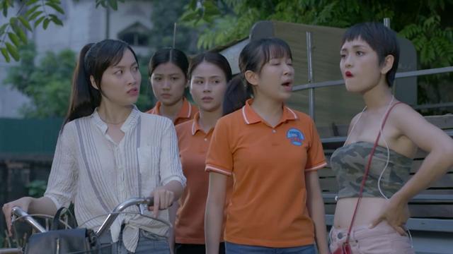 Những cô gái trong thành phố: Xóm trọ đồn đoán em gái Công Lý là gái ngành  - Ảnh 1.