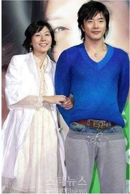 Dân mạng lục lại một thời đen tối của thời trang Hàn Quốc: Bi Rain mặc áo xẻ ngực sâu hơn cả chị em - Ảnh 7.