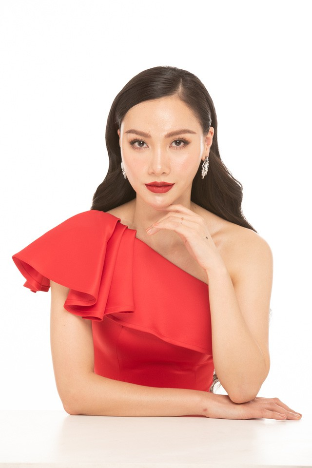 MC Minh Hà tiết lộ quy tắc ăn mặc tại VTV và bí quyết để có làn da đẹp như mơ - Ảnh 4.