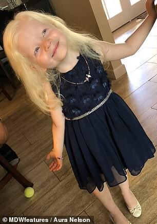 Bé gái có mái tóc bạch kim xinh như công chúa Disney, ai ngờ đó là dấu hiệu của căn bệnh nguy hiểm chết người - Ảnh 6.
