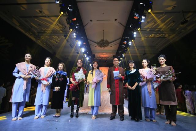 Thiện Phát Design tổ chức show thời trang giới thiệu BST Ban Mai mừng xuân 2019 - Ảnh 6.