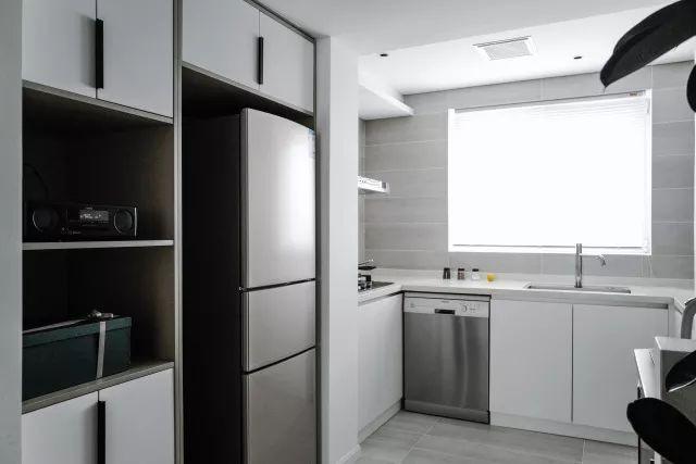 Căn hộ tập thể 50m² cũ kỹ được lột xác bất ngờ với thiết kế các phòng chức năng đẹp như mơ  - Ảnh 14.