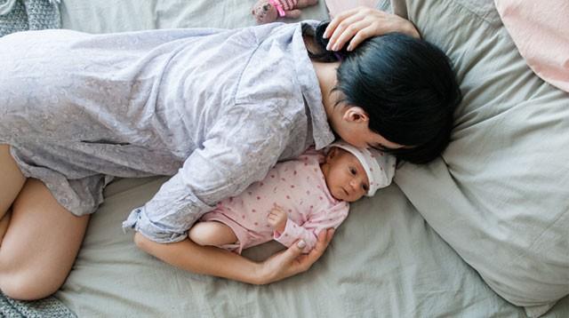 Không cho con bú có phải là người mẹ tồi? Lời chia sẻ sau của một bà mẹ khiến ai nấy cũng đều đồng cảm - Ảnh 1.