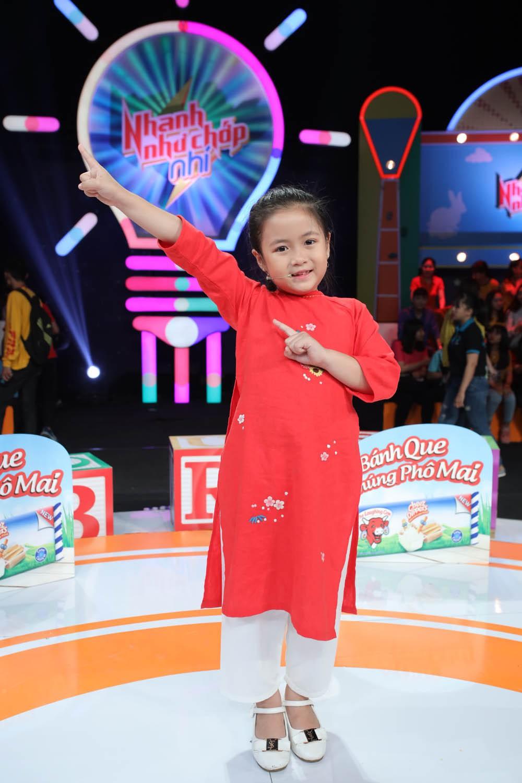 htv2_photos be ngan chi