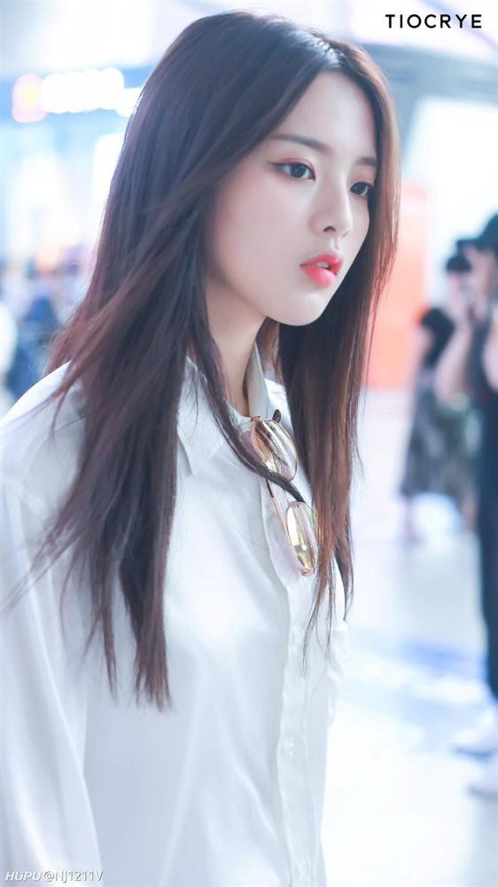 Không phải Dương Mịch - Angela Baby, nữ ca sĩ không có tài năng này lại là mỹ nhân nổi tiếng nhất Trung Quốc - Ảnh 3.
