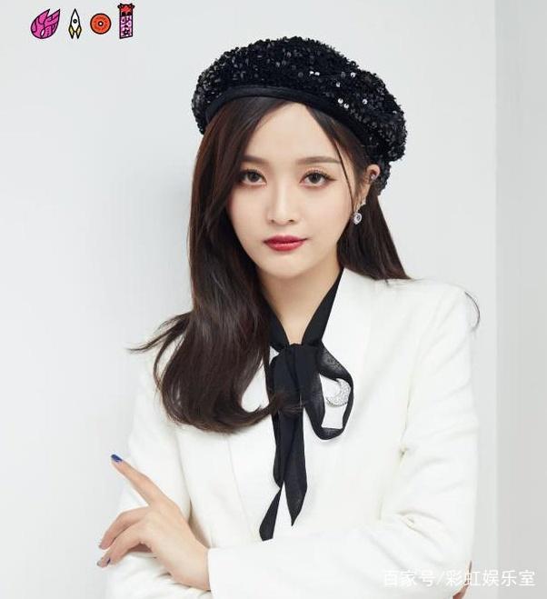 Không phải Dương Mịch - Angela Baby, nữ ca sĩ không có tài năng này lại là mỹ nhân nổi tiếng nhất Trung Quốc - Ảnh 5.
