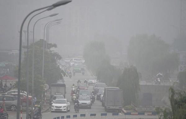 Chuyên gia cảnh báo ô nhiễm không khí ảnh hưởng xấu tới những người mắc bệnh mạn tính - Ảnh 2.