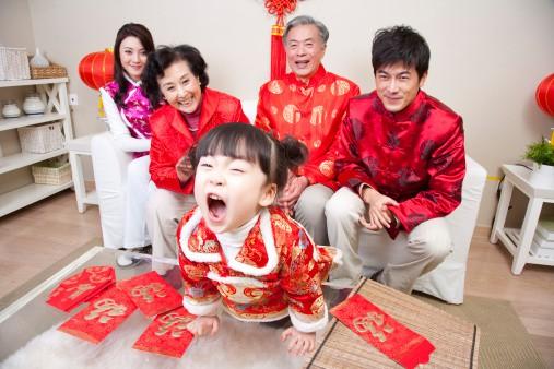 Tất bật lo đón Tết bận đến mấy nhưng cha mẹ đừng bỏ qua điều này để tránh bị kiệt sức trong năm mới nhé - Ảnh 3.