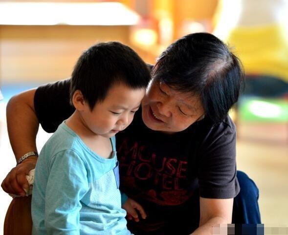 Liên tục hối thúc con nhỏ, hành động tưởng chừng vô hại này lại gây ảnh hưởng nghiêm trọng đến tâm lý và sự trưởng thành của trẻ - Ảnh 1.