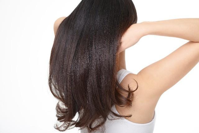 Da đầu – vùng da nhạy cảm bậc nhất nhưng thường bị lãng quên - Ảnh 2.