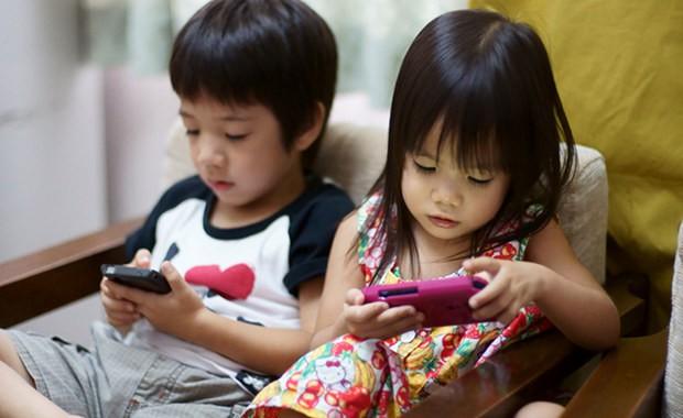 Kết quả hình ảnh cho điện thoại cho trẻ em xem