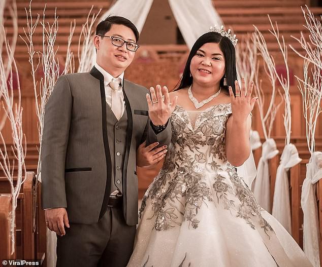 Đến giờ cắt bánh cưới, cô dâu ngã ngửa khi thấy toàn là thứ này bên trong, ngày vui biến thành ngày buồn nhất cuộc đời - Ảnh 1.