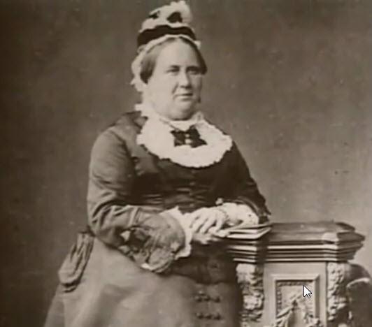 Bị chồng phản bội sau khi sinh 10 đứa con, người vợ này có hành động lạ nhưng lại được nhiều người ủng hộ - Ảnh 4.