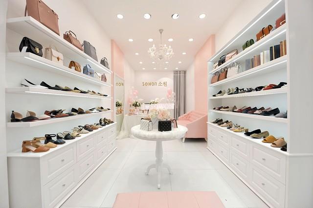 Sau Zara, H&M thêm một tập đoàn thời trang quốc tế bùng nổ tại Việt Nam - Ảnh 3.