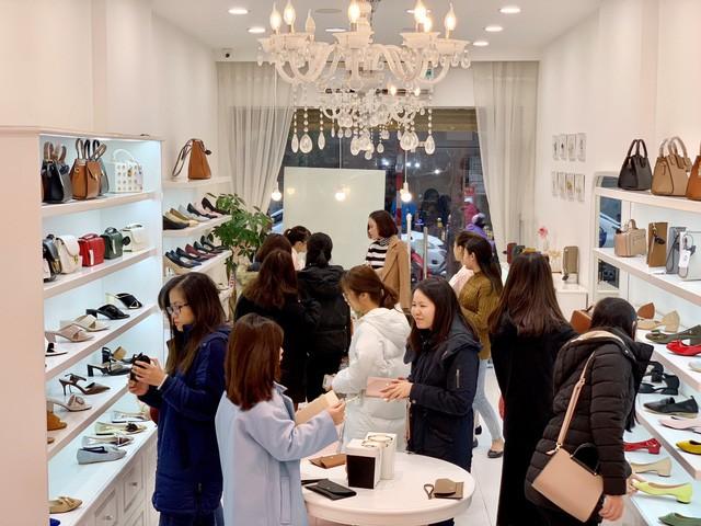 Sau Zara, H&M thêm một tập đoàn thời trang quốc tế bùng nổ tại Việt Nam - Ảnh 5.