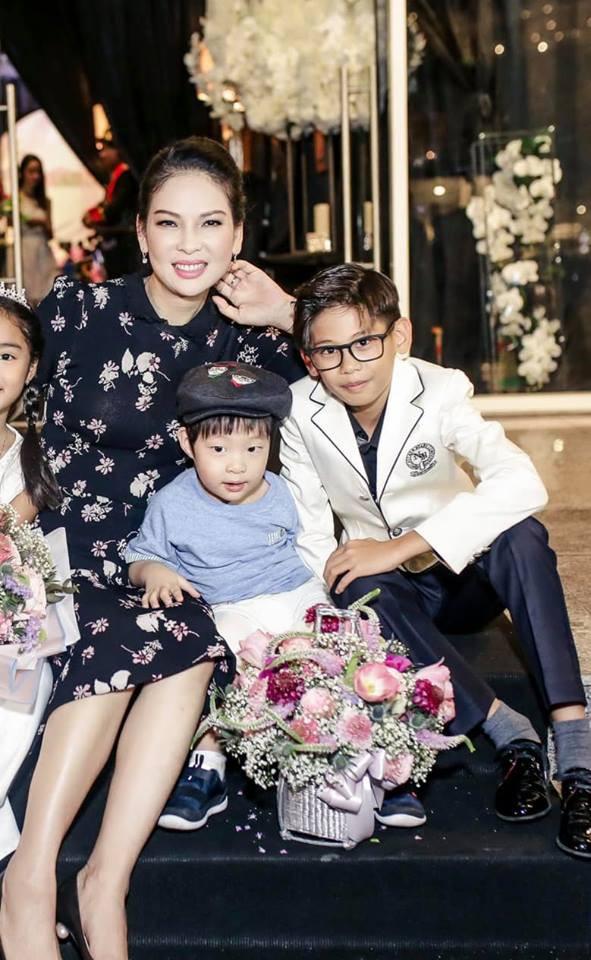 Giữa tâm bão thị phi quanh người mẫu Thủy Hương, Hà Kiều Anh bất ngờ viết tâm thư gửi đàn chị - Ảnh 2.
