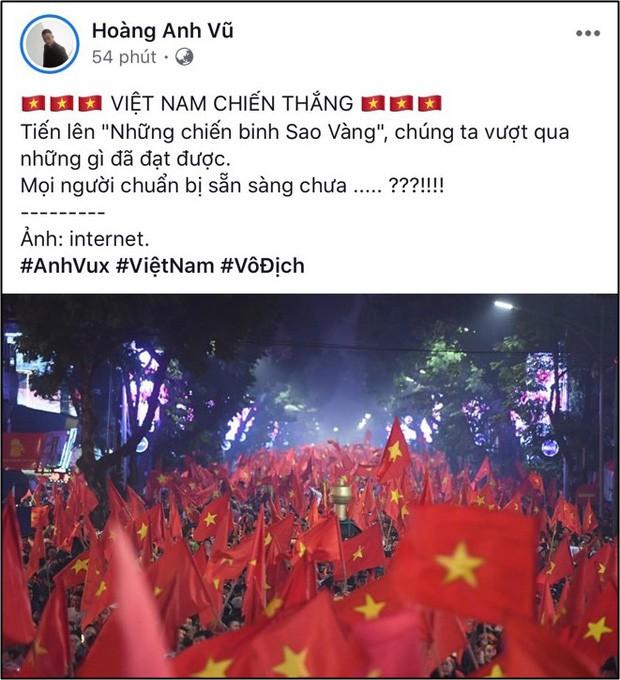 Sao Việt hết mình cổ vũ cho đội tuyển trong trận đấu kịch tính giữa Việt Nam và Malaysia - Ảnh 4.