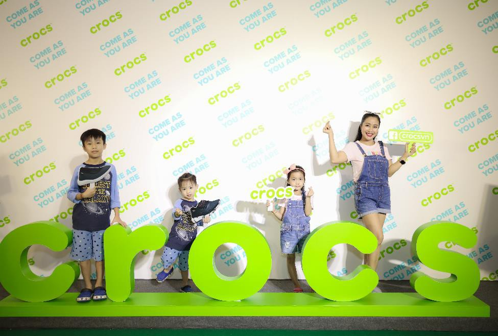 Nhung Gumiho và Ốc Thanh Vân tham gia sự kiện Crocs ra mắt 3 dòng sản phẩm mới, lý giải vì sao ai cũng nên sở hữu ít nhất 1 đôi đến từ thương hiệu này - Ảnh 6.