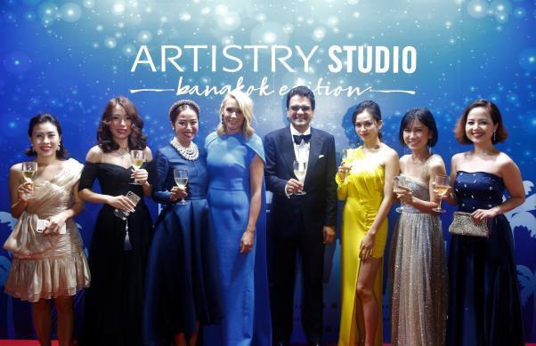 Lộ diện nhà tài trợ kim cương Liên hoan phim Quốc tế Busan 2019 - Ảnh 2.