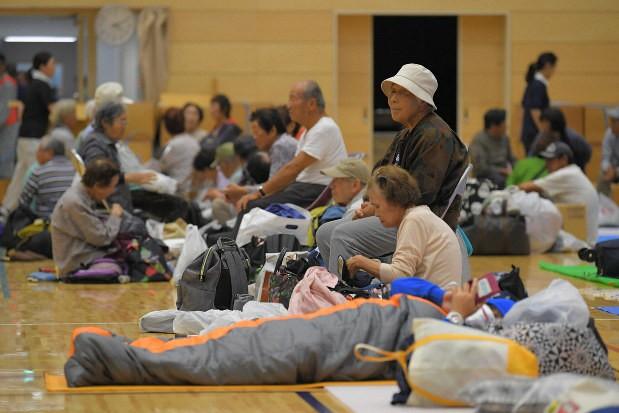 Người Nhật Bản, từ già đến trẻ không ai than khóc với thảm họa Hagibis, âm thầm vực dậy sau nỗi đau khiến thế giới thán phục - Ảnh 6.
