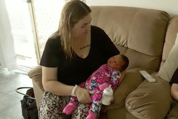 """Bị tiểu đường trong thai kỳ, bà mẹ bất ngờ sinh ra một """"sumo"""" nhí nặng gần 6kg nổi tiếng khắp bệnh viện - Ảnh 2."""