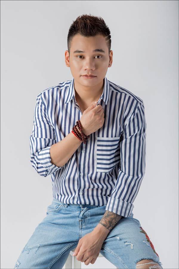 Vợ chồng Hương Ly xin lỗi Khắc Việt vụ mang bài đi hát kiếm tiền không xin phép, đây là động thái của nam ca sĩ - Ảnh 2.
