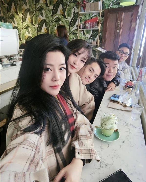 Trước thềm đám cưới của anh trai, em gái Ông Cao Thắng gây chú ý vì ngày càng xinh đẹp và vẫn còn độc thân ở tuổi 30 - Ảnh 3.