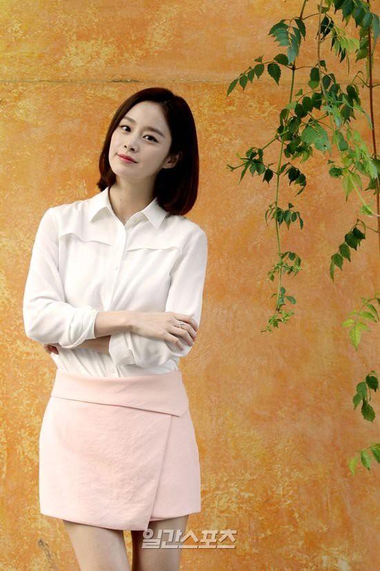 """Sau 3 năm """"bận"""" sinh con cho Bi Rain, Kim Tae Hee chuẩn bị quay lại đóng phim: Đảm nhận vai chính là một hồn ma? - Ảnh 1."""