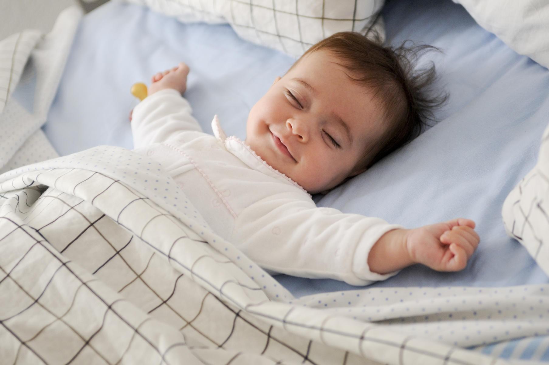 Giấc ngủ ngon cho con - món quà quý báu đầu đời bố mẹ nhất định phải thực hiện - Ảnh 2.