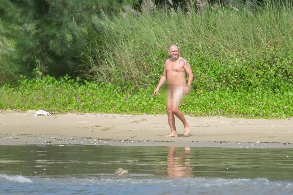Truy tìm tung tích người đàn ông nước ngoài khỏa thân tắm biển Đà Nẵng - Ảnh 1.