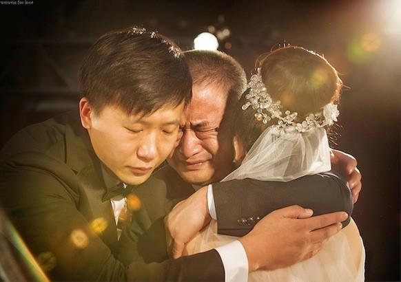 Ngày con gái lấy chồng, bố gửi bức thư dặn dò khiến nhiều người rơi nước mắt - Ảnh 4.