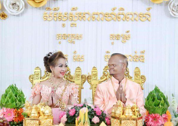 Tình yêu của cặp đôi 'đũa lệch' nổi tiếng Campuchia đám cưới được cả con trai Thủ tướng đến dự giờ ra sao? 1