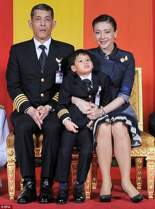 Trước Hoàng quý phi Thái Lan, một Vương phi khác cũng rơi vào hoàn cảnh tượng tự và có kết cục không thể bi đát hơn - Ảnh 2.
