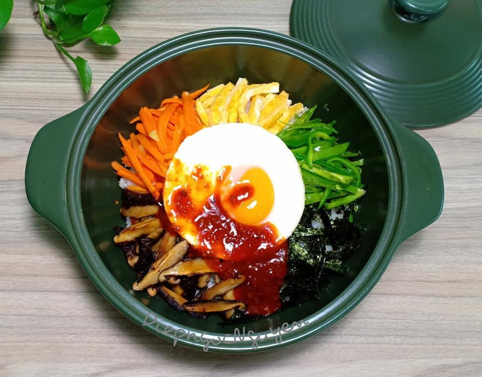 Dọn tủ lạnh, tôi làm ngay món cơm Bibimbap Hàn Quốc vừa nhanh vừa ngon lại vừa đẹp - Ảnh 8.