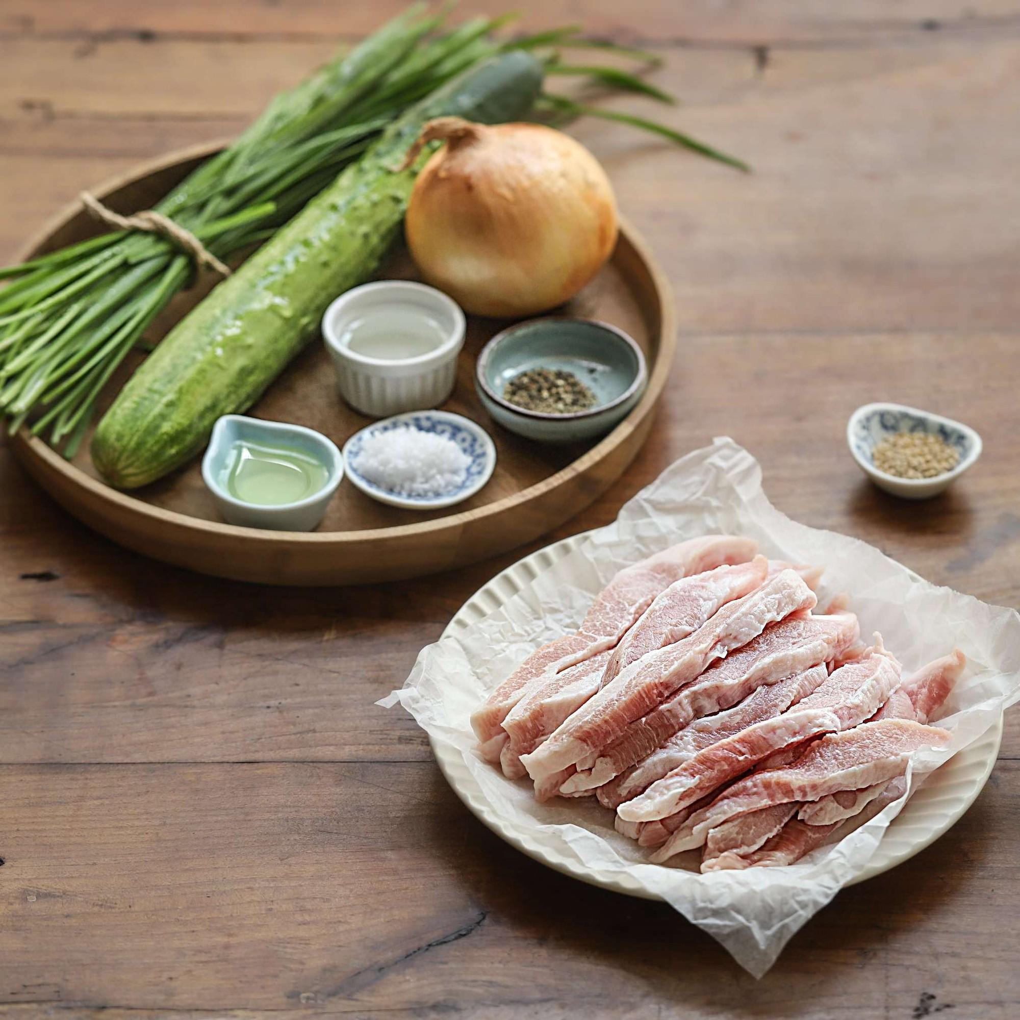 Học người Hàn làm món thịt trộn siêu tốc cho bữa tối ngon xuất sắc - Ảnh 1.