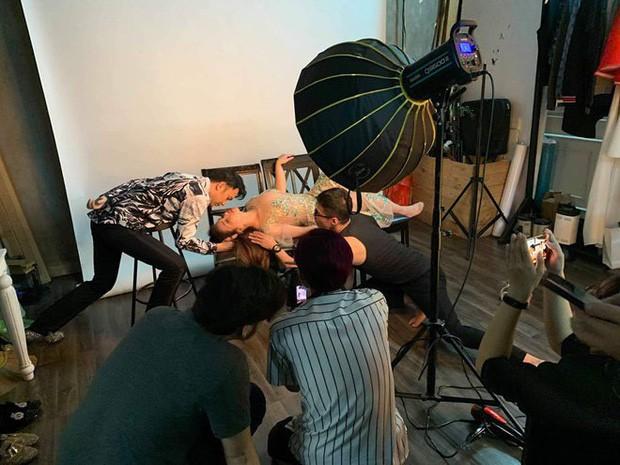 Ca sĩ Minh Tuyết ngất xỉu trong buổi chụp ảnh, nguyên nhân không ngờ lại là điều này - Ảnh 1.
