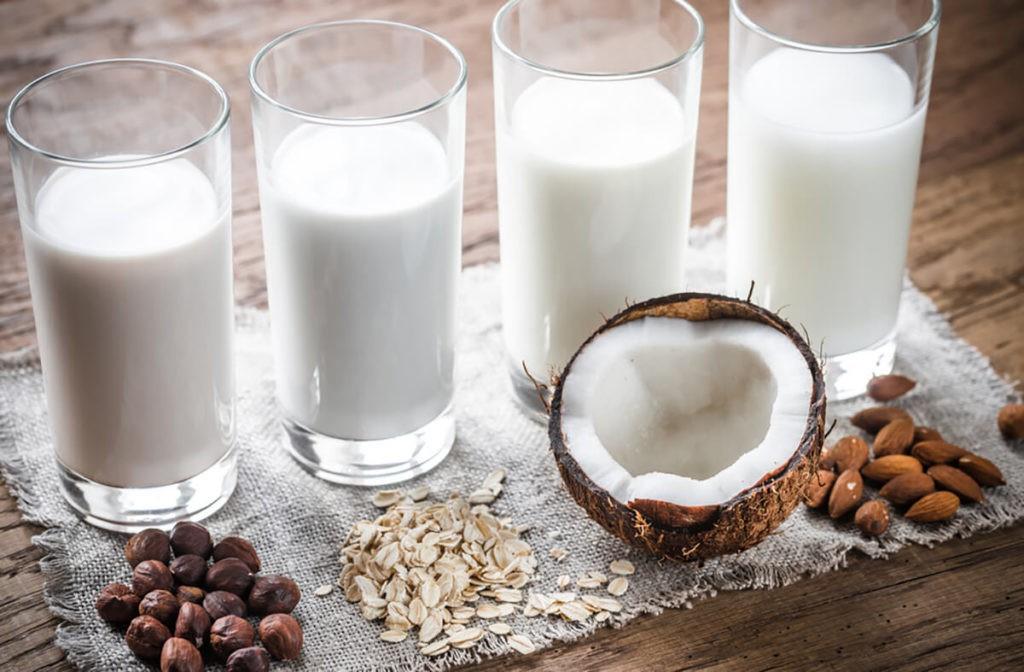 Vì sao trẻ cần bổ sung cân bằng protein từ động vật và thực vật? - Ảnh 2.