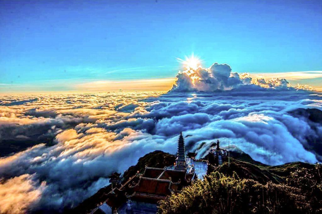 """Sun World Fansipan Legend giảm tới 50% giá vé cáp treo, """"săn mây"""" mùa này tuyệt đỉnh - Ảnh 2."""