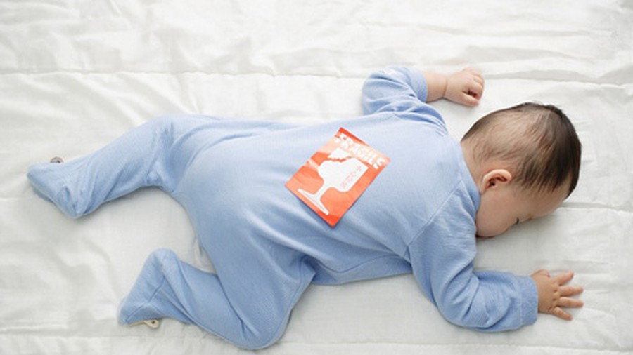Trẻ ngủ sai tư thế: Mẹ sai lầm, con gánh hậu quả - Ảnh 4.