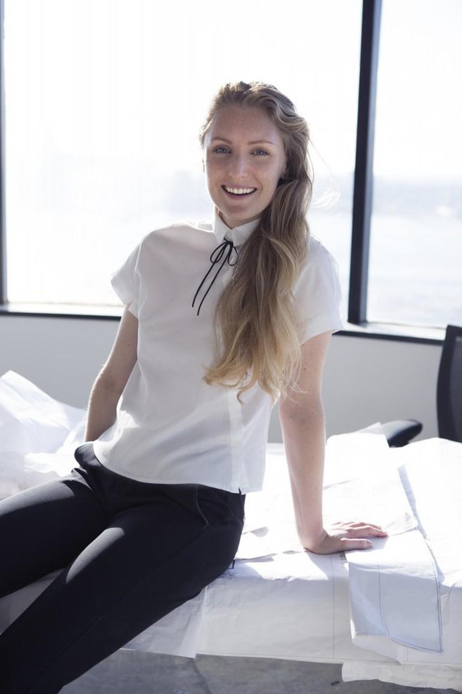 Bí quyết thành công của nữ giám đốc xinh đẹp: Suốt 3 năm chỉ diện 1 mẫu áo đi làm, đồng nghiệp từ kiêng dè thành kính nể - Ảnh 3.