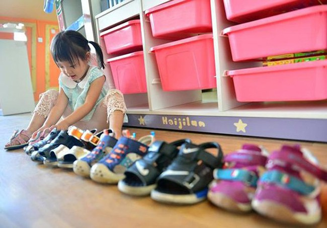 Bé 5 tuổi có thói quen đi bằng mũi bàn chân, mẹ hối hận khi nghe kết quả chẩn đoán của bác sĩ - Ảnh 1.