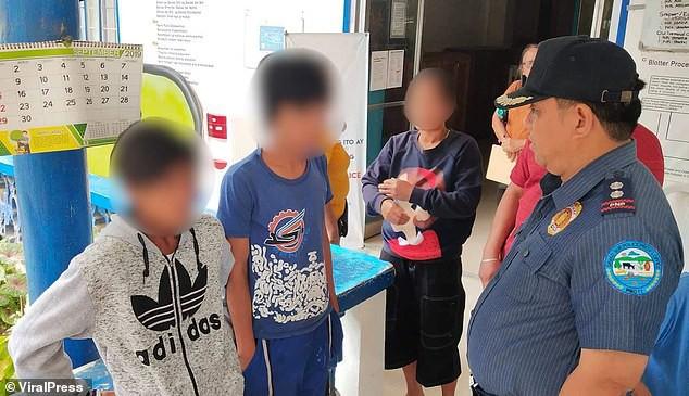 Hai thiếu niên táo tợn quật mồ cụ bà 84 tuổi và làm điều khó ai có thể tưởng tượng ra - Ảnh 1.