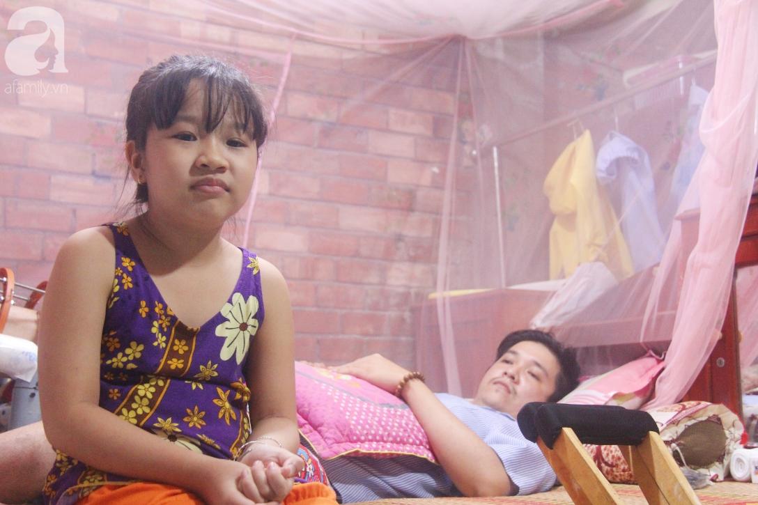 Con gái 7 tuổi bị gãy chân, chồng nằm liệt giường, người vợ bệnh tật khẩu cầu sự giúp đỡ sau vụ tai nạn kinh hoàng - Ảnh 4.