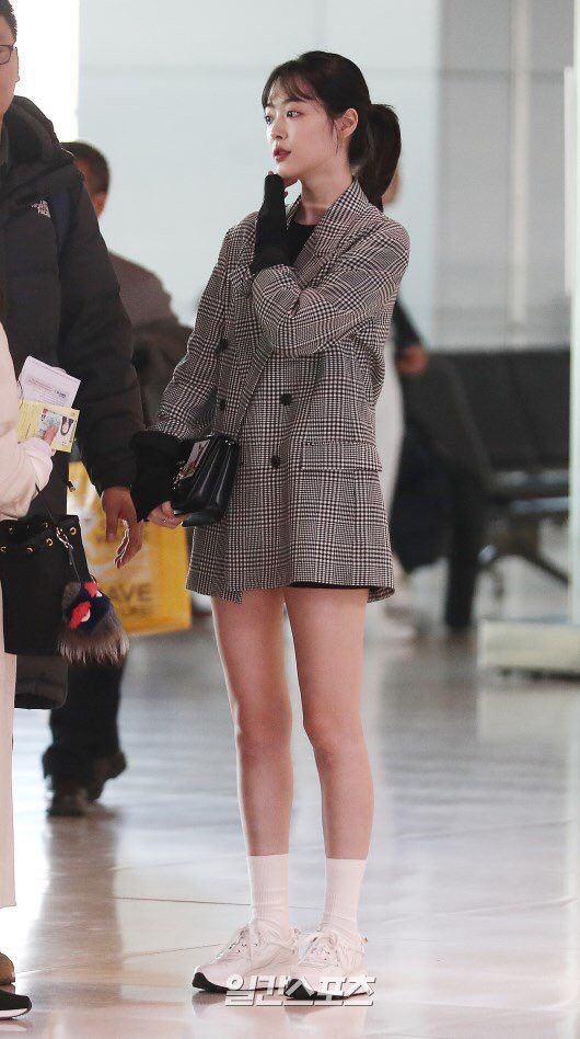 Sao Hàn mặc blazer: 5 chiêu thức thường xuyên được sử dụng để biến chiếc áo đứng dáng thành thời thượng sang chảnh ngút ngàn - Ảnh 3.