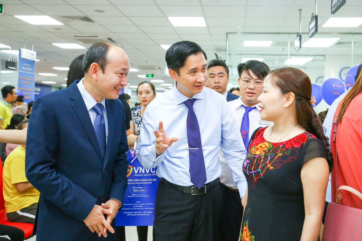 Ấn tượng với trải nghiệm tiêm chủng 5 sao tại VNVC Phú Thọ - Ảnh 3.