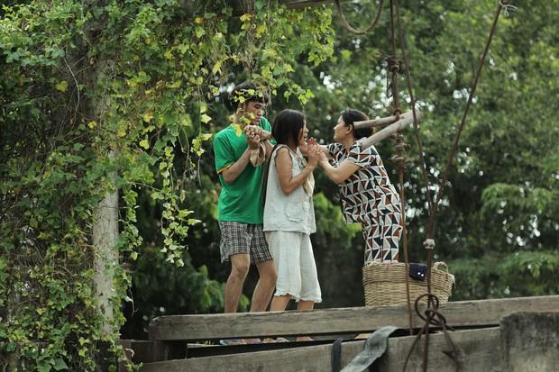 """Review phim """"Thất Sơn Tâm Linh"""": Phim bị cắt đầy hụt hẫng, có yếu tố gây rùng rợn nhưng """"chưa đã"""" - Ảnh 3."""