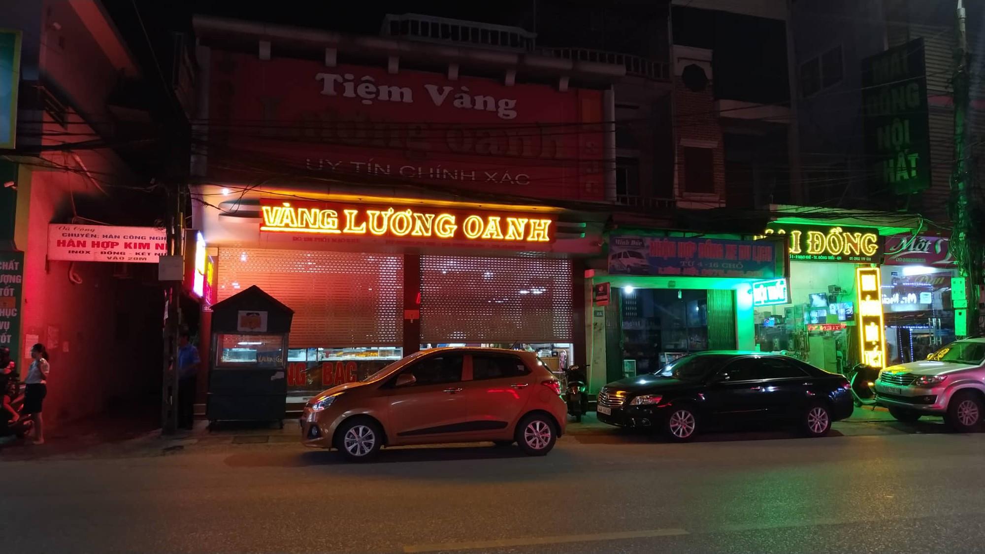 Tiết lộ quá khứ bất hảo của nghi phạm nổ súng cướp tiệm vàng ở Quảng Ninh - Ảnh 2.