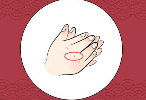 Phụ nữ sở hữu đặc điểm này trên bàn tay, cả đời nắm may mắn và tài vận, sau 35 tuổi cuộc sống thập toàn thập mỹ - Ảnh 2.