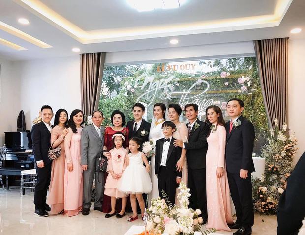 Em chồng Đông Nhi: Diện áo dài hồng ngọt ngào, tay xách túi hơn 100 triệu nhưng nhan sắc tuổi 30 mới là điều dân tình ngưỡng mộ nhất - Ảnh 4.