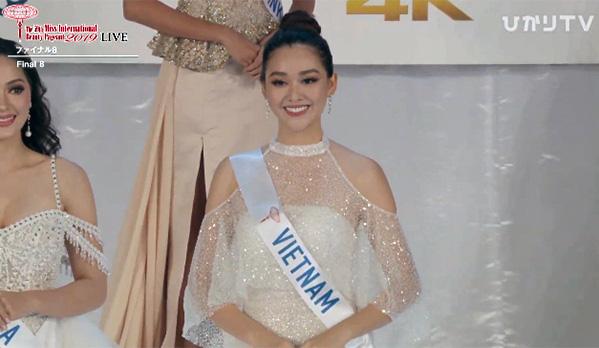 """Chuyện thú vị phía sau bộ váy trắng """"lấy may"""" mà Tường San đã mặc tại Chung kết Miss International 2019 - Ảnh 2."""